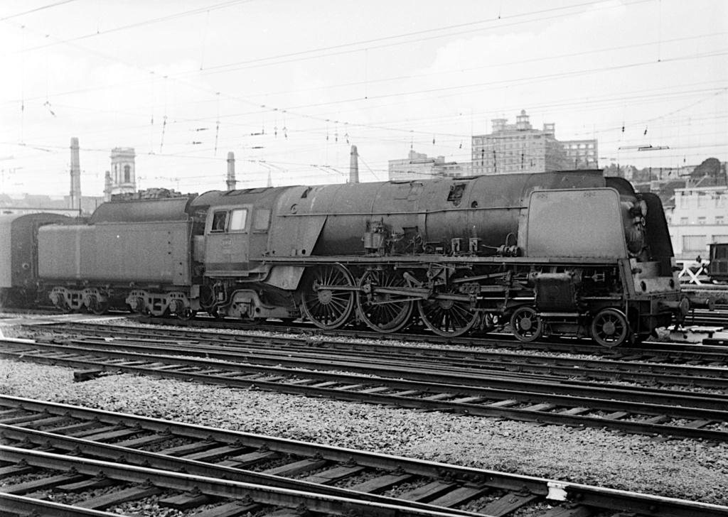 Construction d'un kit DJH de locomotive SNCB type 1.002 - Page 3 Hlv_1_29