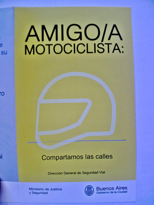 """""""Compartamos las Calles"""" Folleto de la CABA Basura13"""