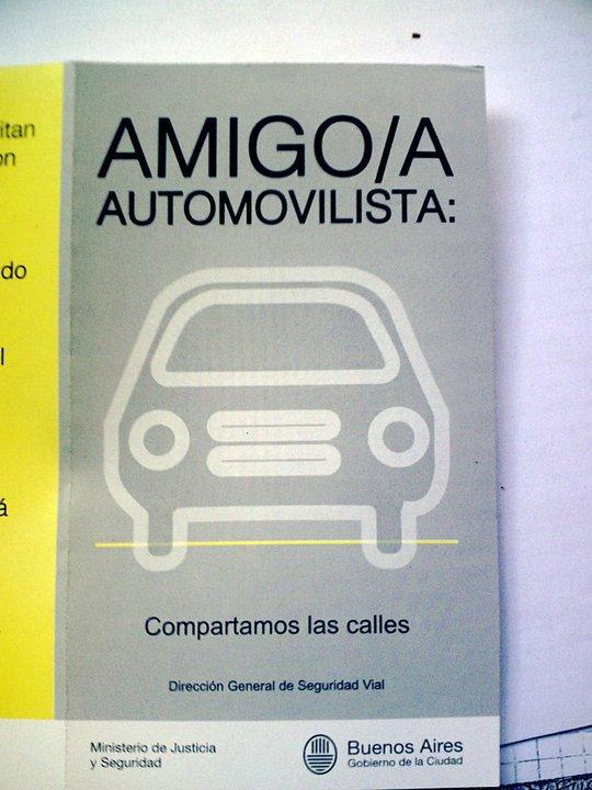 """""""Compartamos las Calles"""" Folleto de la CABA Basura16"""
