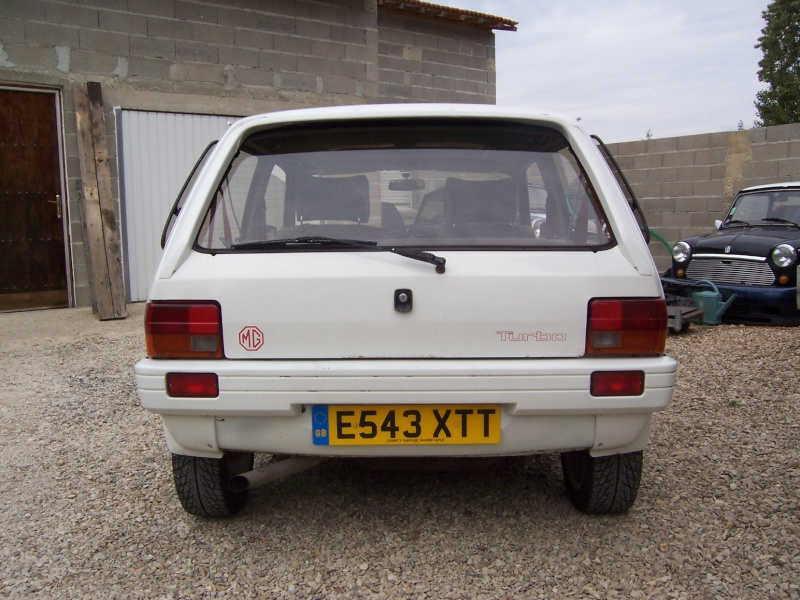 "Bip-bip : Metro turbo mk2 ""all white"" RHD Metro_19"