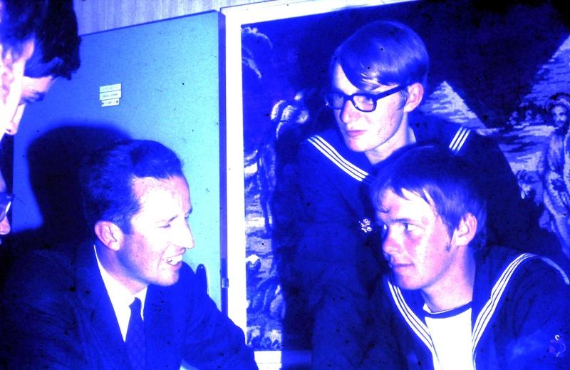 VISITE  de Sa Majesté le roi Baudouin à bord du ZINNIA ,1972 - Page 2 9-28-230