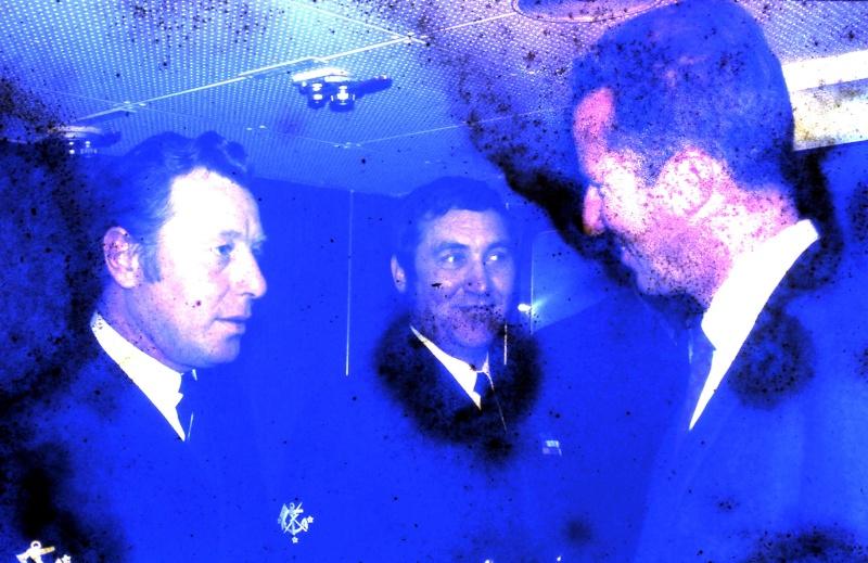 VISITE  de Sa Majesté le roi Baudouin à bord du ZINNIA ,1972 - Page 2 9-28-235