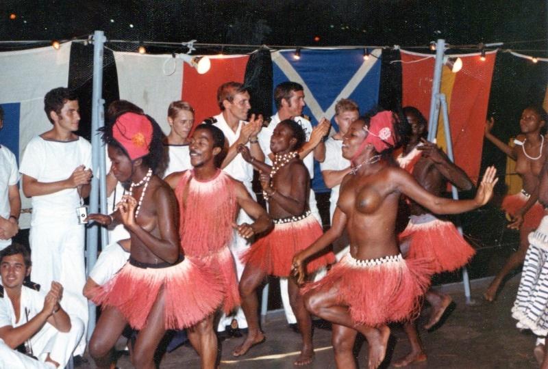 A961 ZINNIA voyage en Afrique en 1972 - Page 6 Img17210