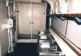 M906 BREYDEL - Page 7 Toilet10
