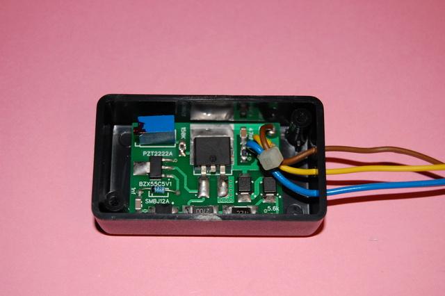 electronique - ETZ  : fabrication d'un régulateur 12V  électronique spécifique Dsc_0215