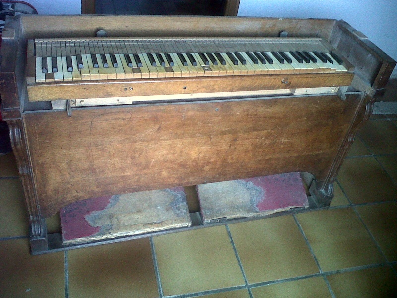 Mon harmonium de vide grenier ou guide chant ? Img00210