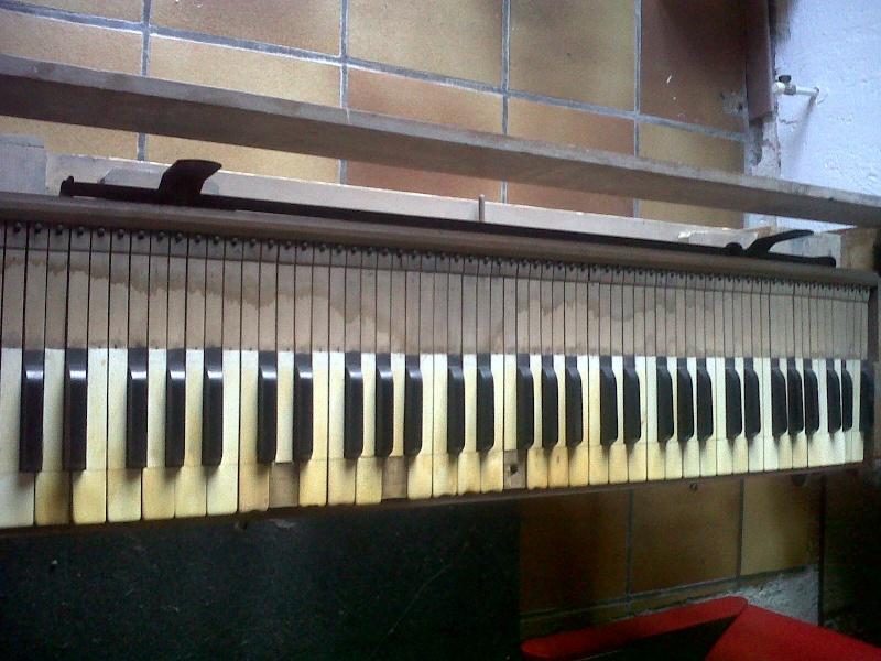 Mon harmonium de vide grenier ou guide chant ? Img00212