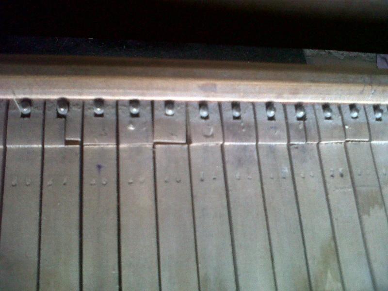 Mon harmonium de vide grenier ou guide chant ? Img00220