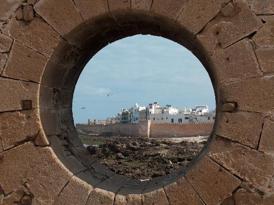 Meknès, la Ville Ancienne et les 2 Mellahs   3 Essaou10