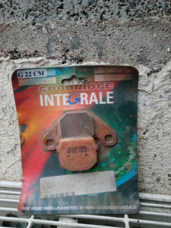 Plaquettes de frein Img_2039