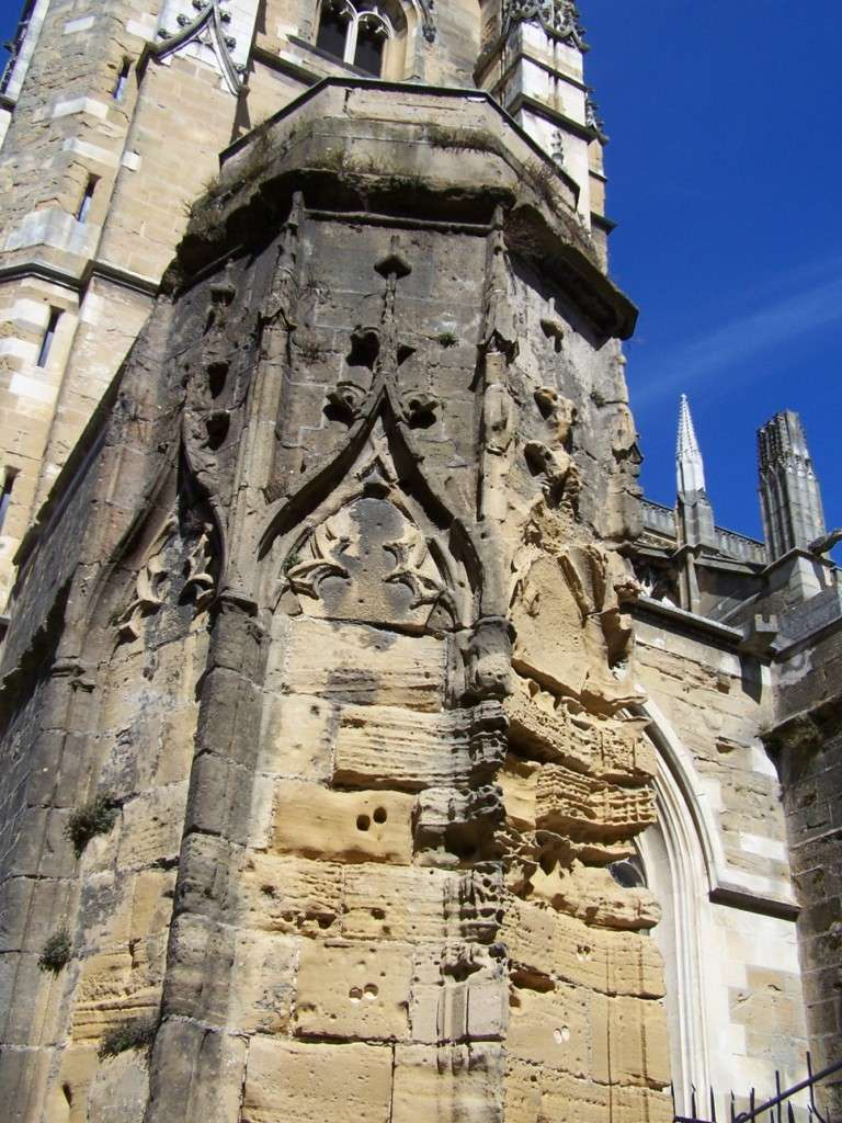 MONUMENTS D'HIER ET D'AUJOURD'HUI - Page 5 100_8412
