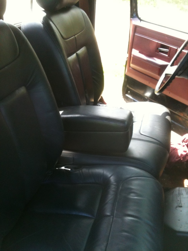 FOR SALE: 1994-1999 black Cadillac deville front seats MINT Seats10