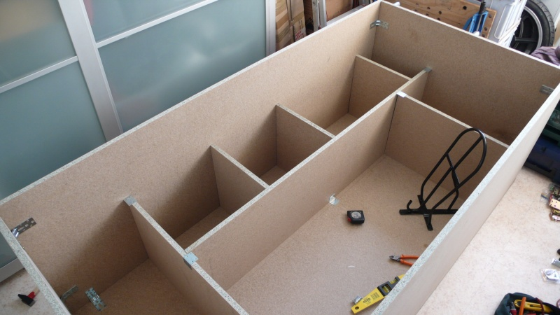 Fabrication d'une armoire de sellerie L1260915