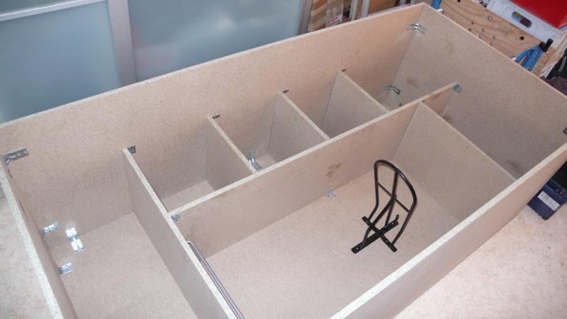 Fabrication d'une armoire de sellerie L1260920
