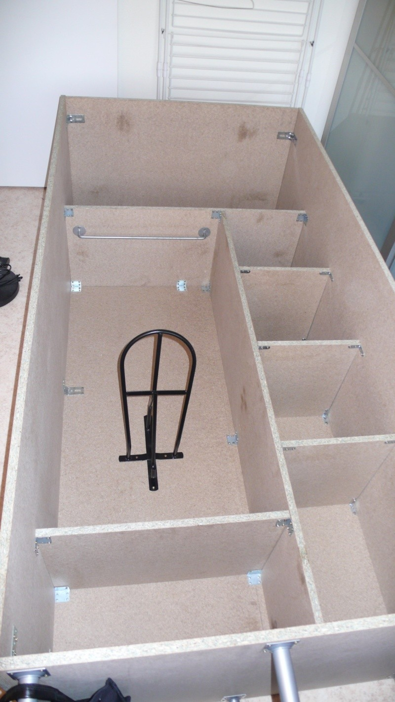 Fabrication d'une armoire de sellerie L1260921