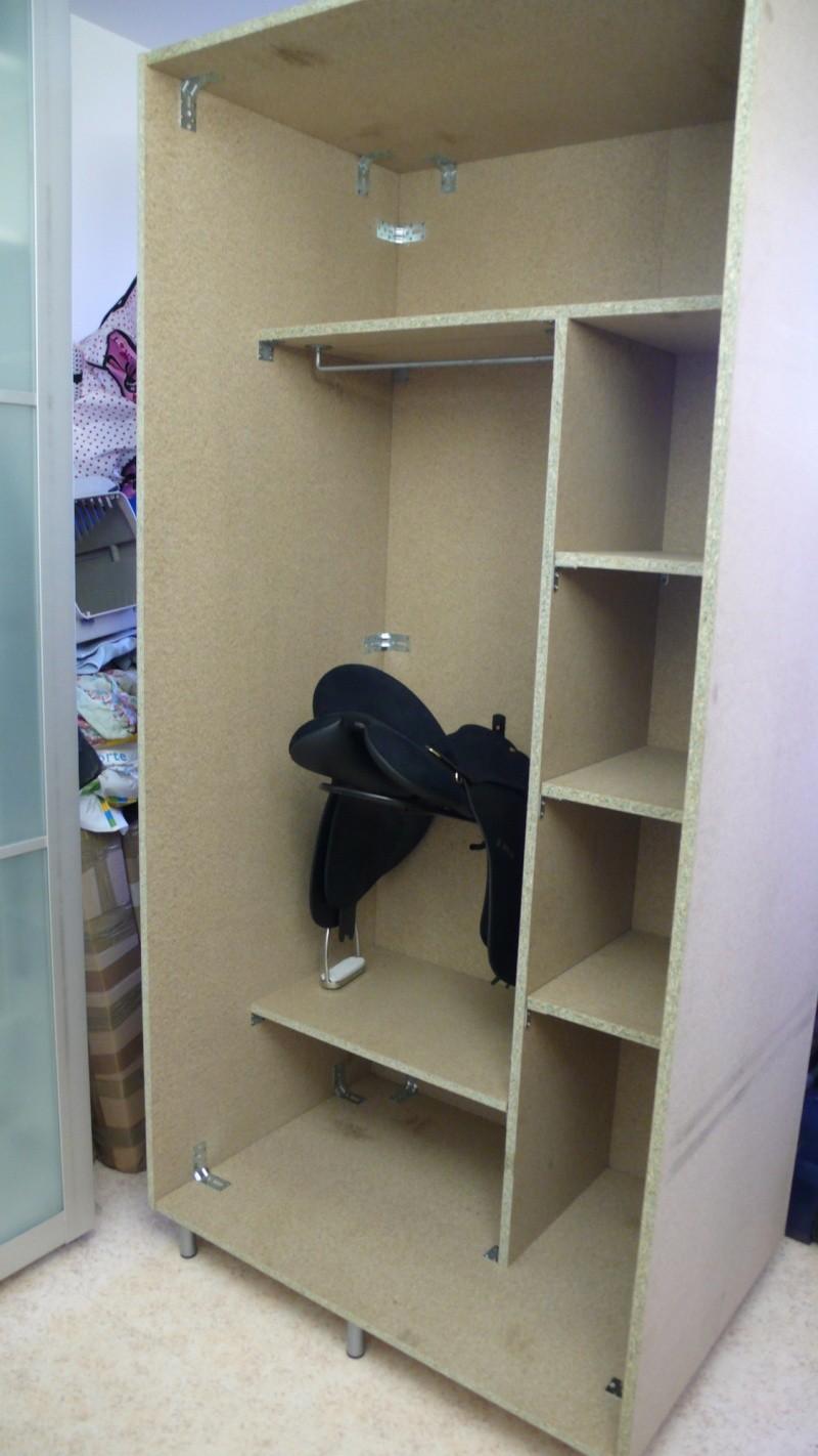 Fabrication d'une armoire de sellerie L1260923
