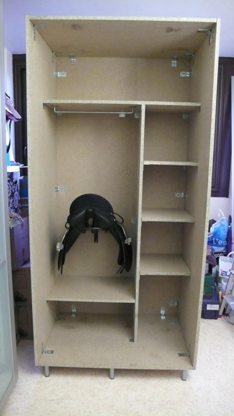 Fabrication d'une armoire de sellerie L1260924