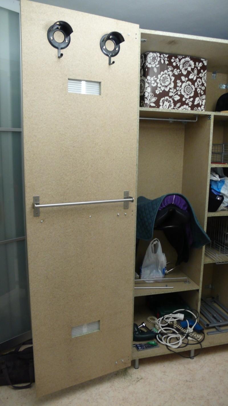 Fabrication d'une armoire de sellerie L1260926