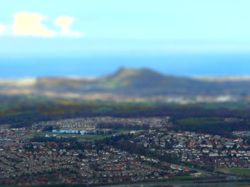 Essai tilt-shift: vue d'Edimbourg depuis le château  P1080011