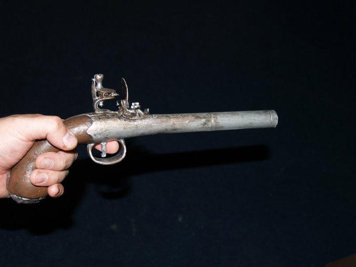 Second  pistol..OST  25453010