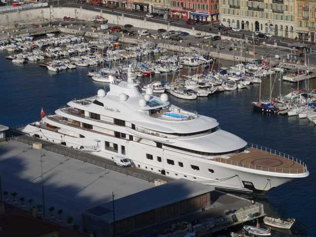 "Yacht ""Quantum Blue"" à Nice  0111"