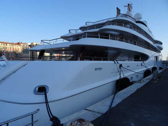 "Yacht ""Quantum Blue"" à Nice  01a10"