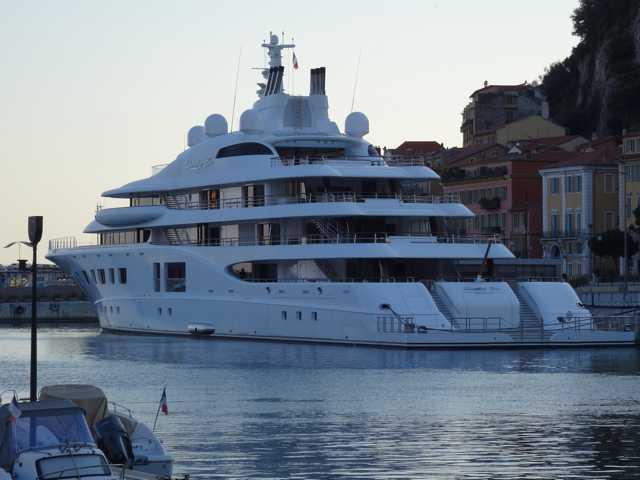 """Yacht """"Quantum Blue"""" à Nice  01d10"""