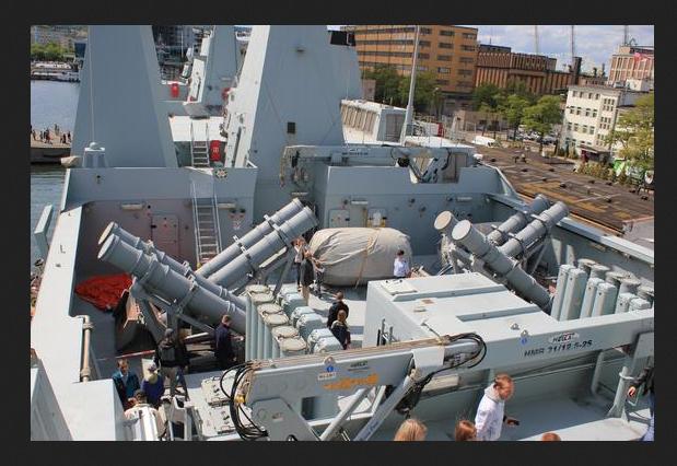 HDMS Absalon (L16) de Billing Boats - Page 2 Absalo12