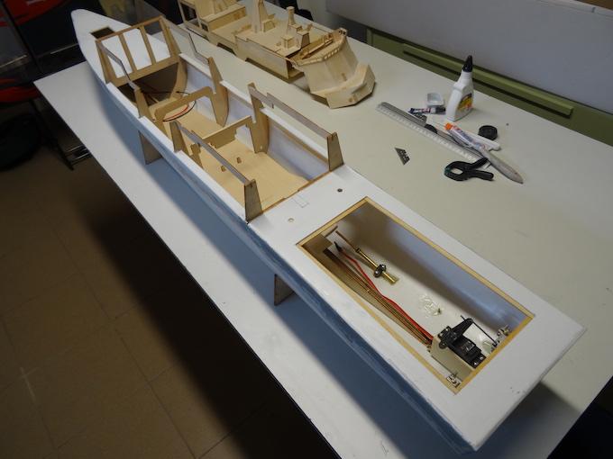 HDMS Absalon (L16) de Billing Boats Dsc02810