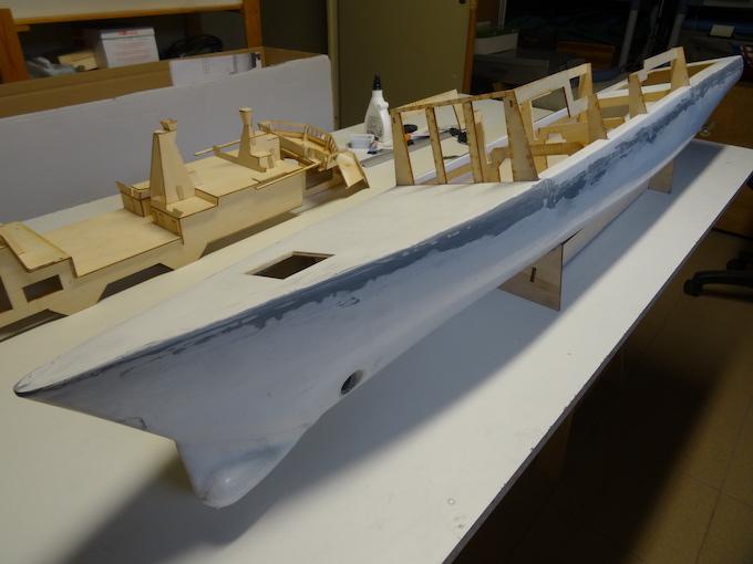 HDMS Absalon (L16) de Billing Boats Dsc02811