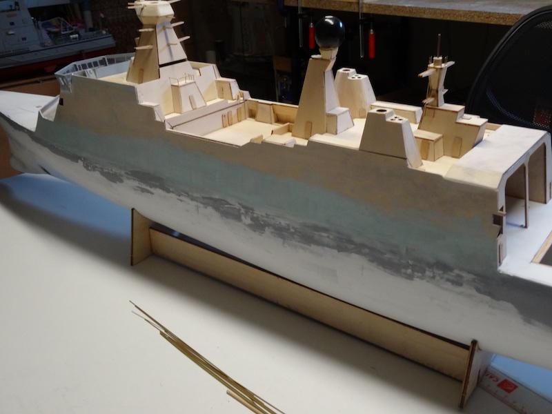 HDMS Absalon (L16) de Billing Boats - Page 2 Dsc02910