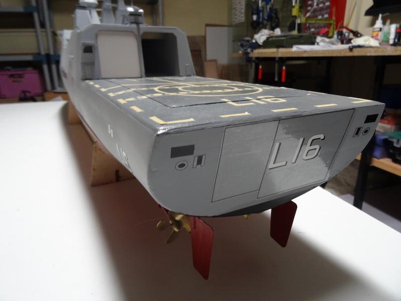 HDMS Absalon (L16) de Billing Boats - Page 2 Dsc03115