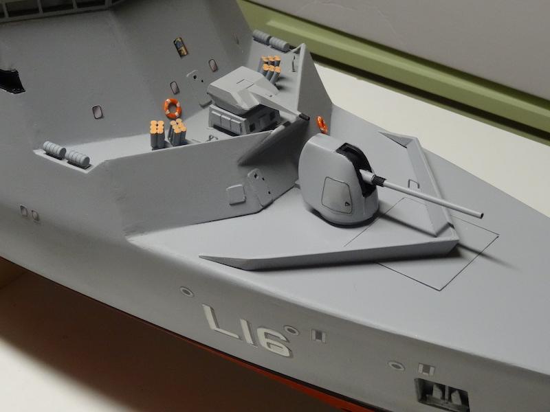 HDMS Absalon (L16) de Billing Boats - Page 2 Dsc03117