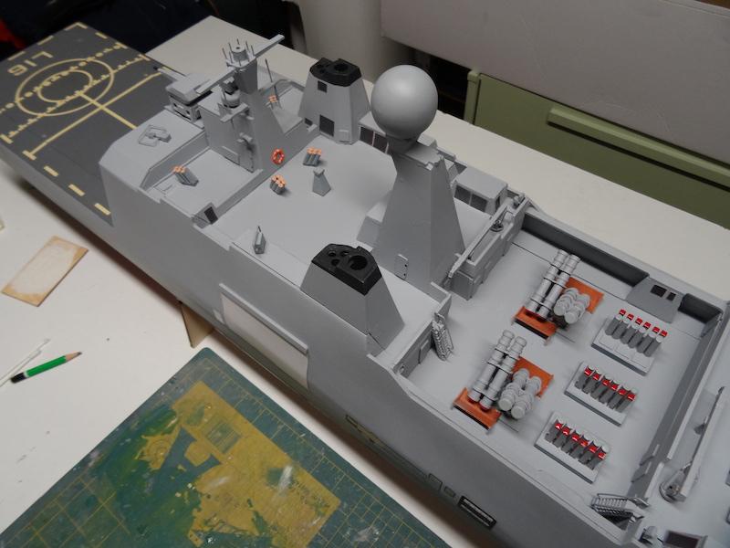 HDMS Absalon (L16) de Billing Boats - Page 2 Dsc03120