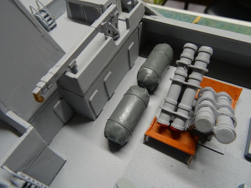 HDMS Absalon (L16) de Billing Boats - Page 2 Dsc03313