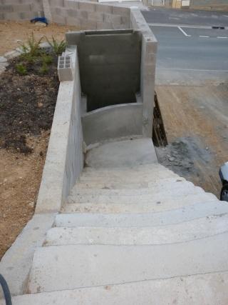 constrution d un bassin a la monter d un escalier  fred gea P1000232
