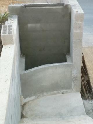 constrution d un bassin a la monter d un escalier  fred gea P1000233