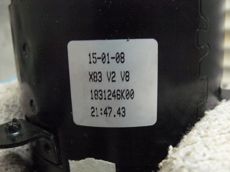 Petit moteur pour touret à métaux P1130222