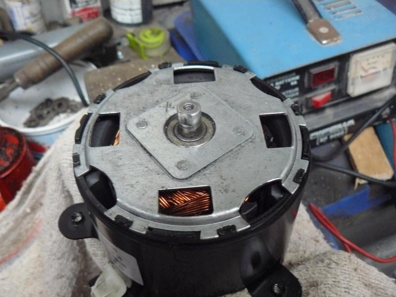 Petit moteur pour touret à métaux P1130310