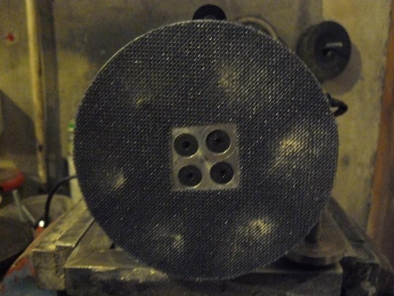 Petit moteur pour touret à métaux - Page 2 P1130325