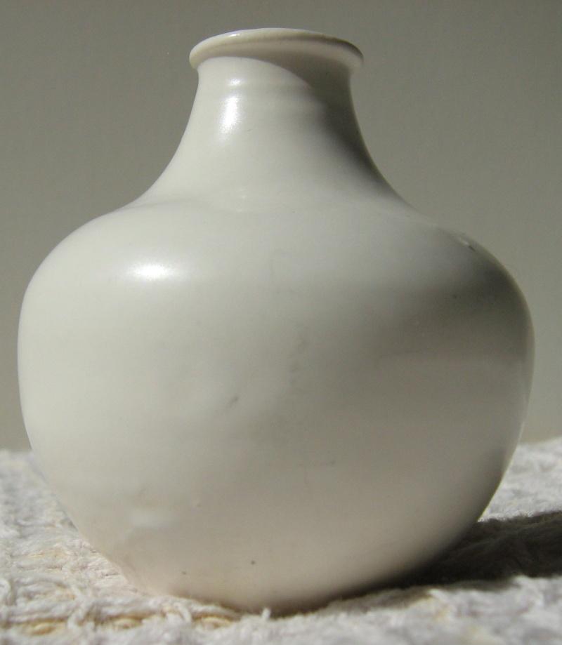 Tiny Crown Lynn Vase Cl_tin11