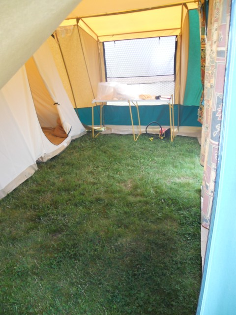 [résolu]toile de tente Vert Loisir ou Cabanon? 1er_se13