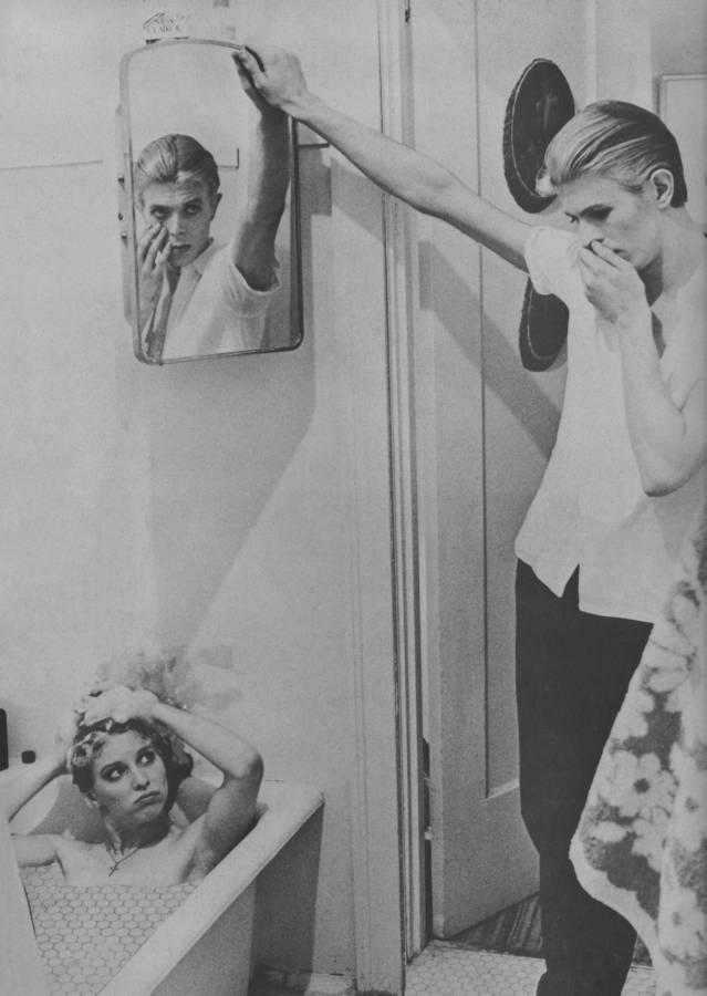 David Bowie pictures. - Page 5 656510