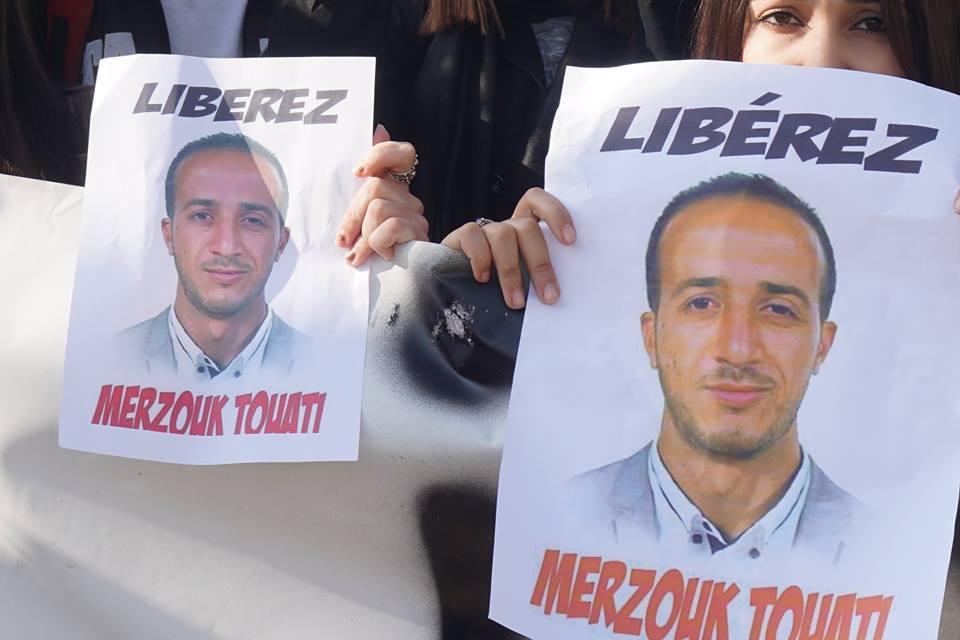 marche des libertés le 10 décembre 2018 à Bejaia pour libérer Merzouk Touati et tous les détenus d'opinion - Page 3 2034