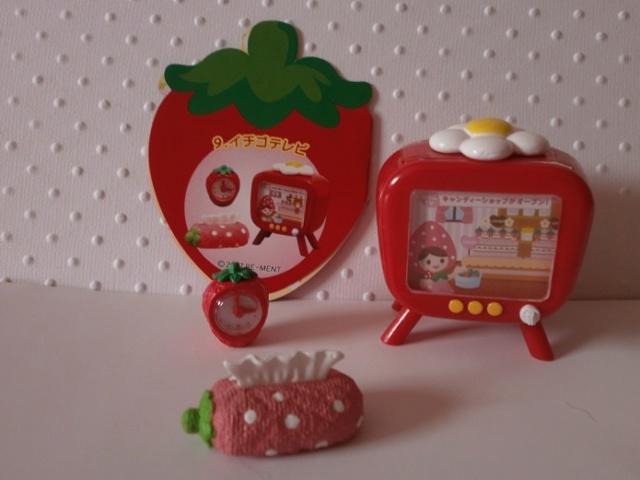 [Ventes] NEW rement fraise-japonais-disney+ meuble P6080025