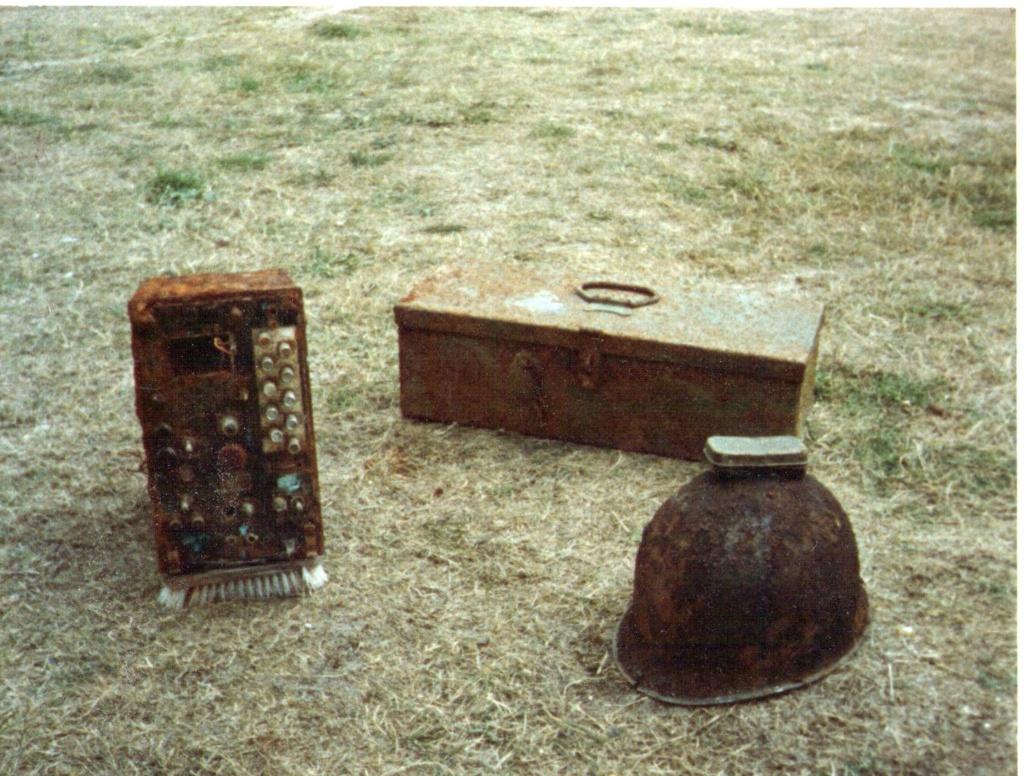 Radio trouvée à Utah Beach Img01010