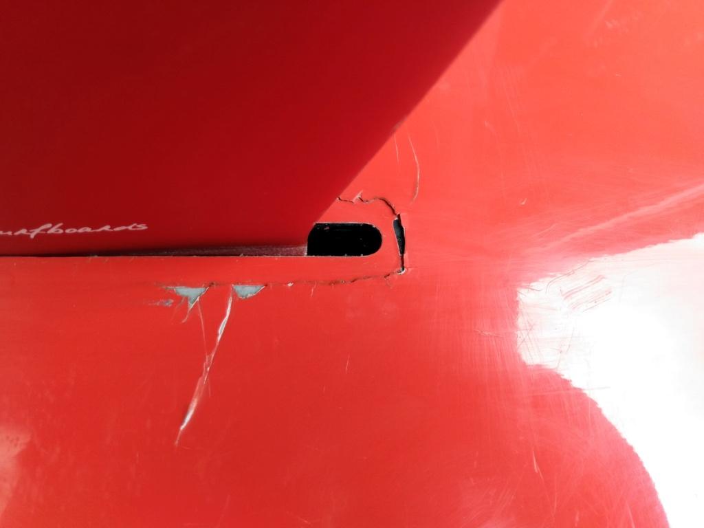 Strat cassée autour de la fin box Img_2029