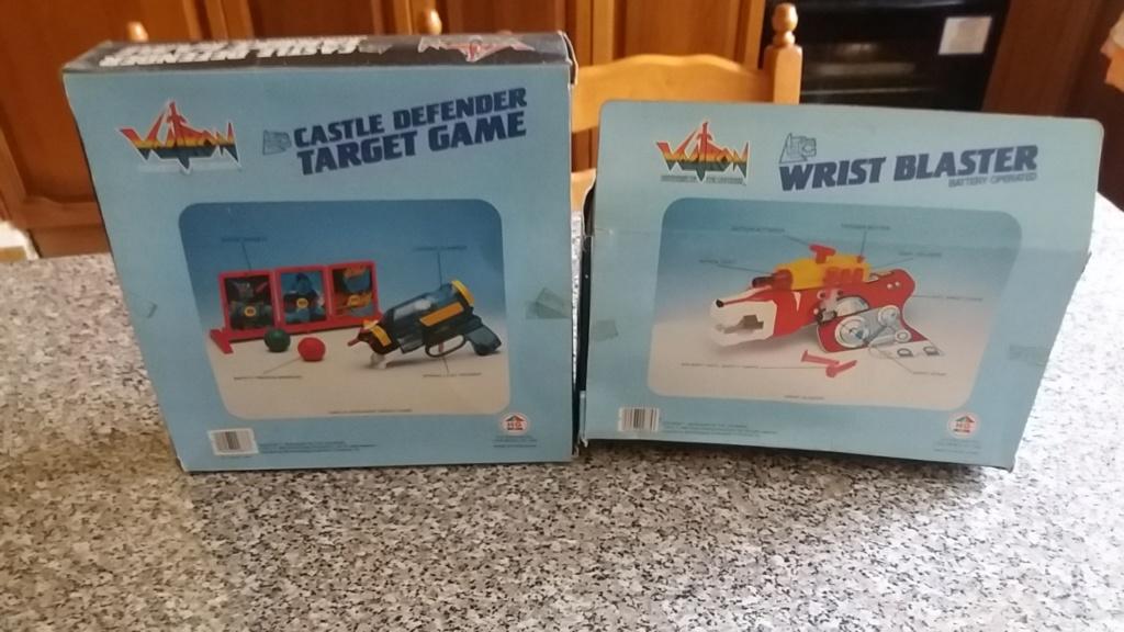 voltron wrist blaster + voltron castle defender target game,entrambi nuovi fondo magazzino, 20180815