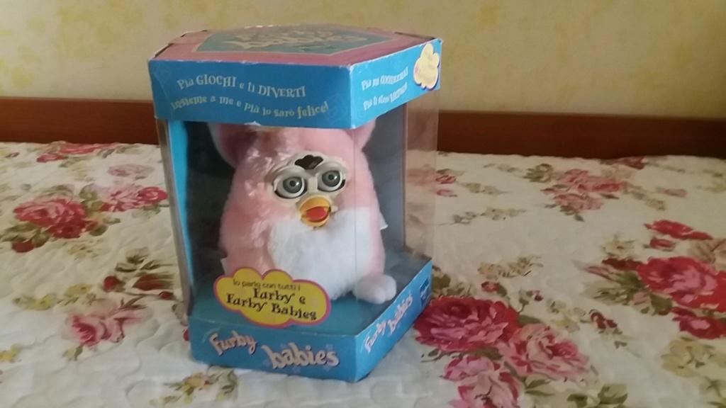 Furby Babies Hasbro fondo magazzino 20190712