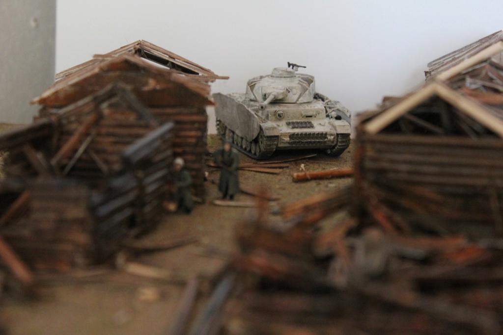 Diorama: Assaut contre un village sur le front de l'Est, hiver 1944-1945 Img_3442